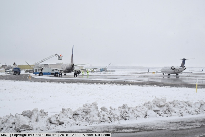 Boise Air Terminal/gowen Fld Airport (BOI) - Lined up at the east De ice pad.
