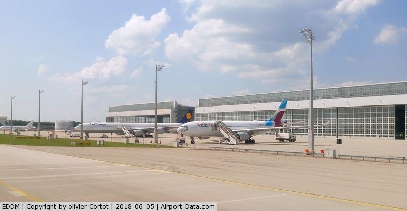 Munich International Airport (Franz Josef Strauß International Airport), Munich Germany (EDDM) - nice, clean and modern, so german !
