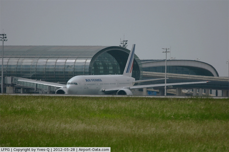 Paris Charles de Gaulle Airport (Roissy Airport), Paris France (LFPG) - 2E terminal - Hall K, Roissy Charles De Gaulle Airport (LFPG-CDG)