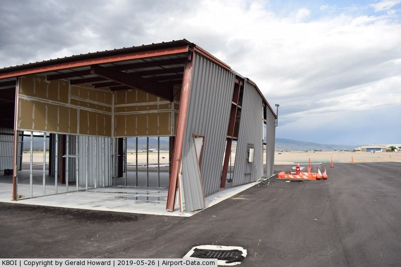 Boise Air Terminal/gowen Fld Airport (BOI) - Some thunder storm wind damage to a hangar being moved to a new location.