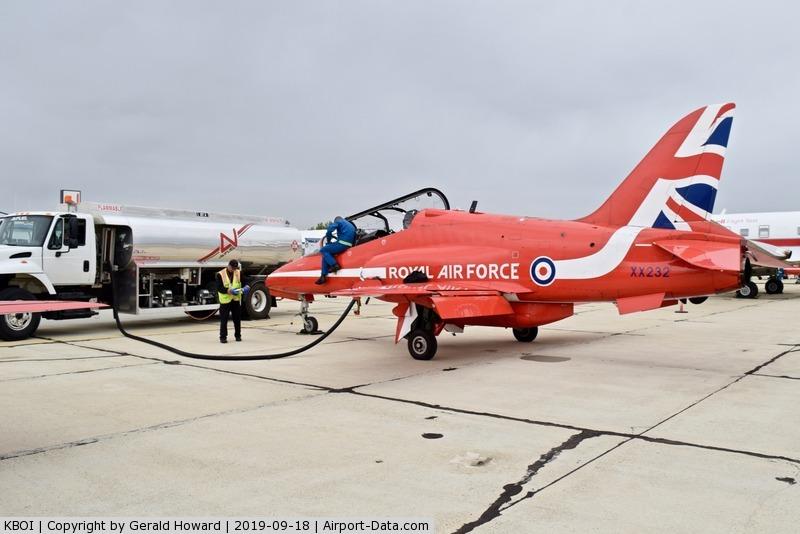 Boise Air Terminal/gowen Fld Airport (BOI) - Aircraft refueled while the pilots take a break.