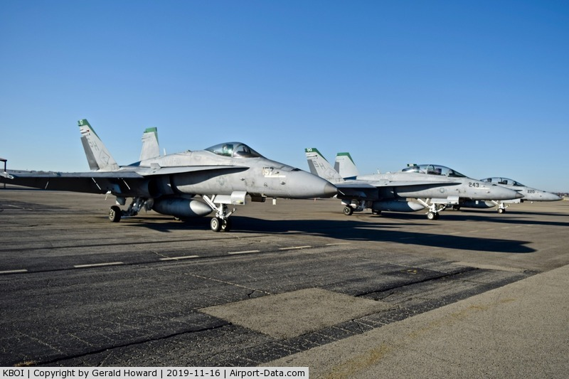 Boise Air Terminal/gowen Fld Airport (BOI) - Visiting F/A-18s from VMFAT-101, NAS Miramar, CA.