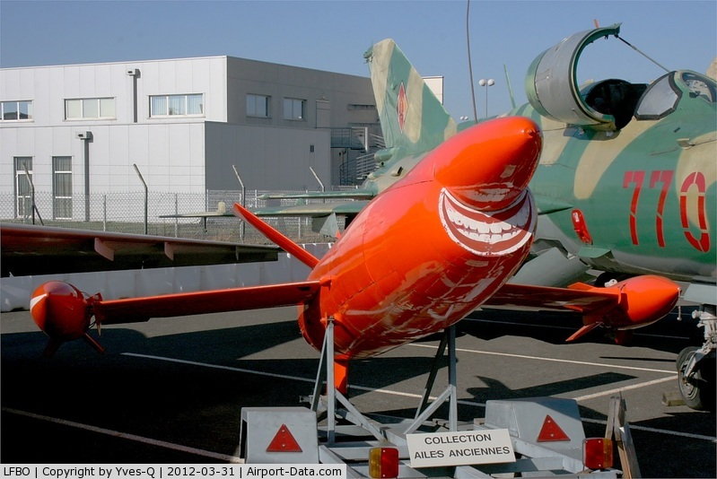 Toulouse Airport, Blagnac Airport France (LFBO) - target drone CT-20, Ailes anciennes collection, Toulouse-Blagnac airport (LFBO-TLS)