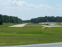 North Raleigh Airport (00NC) - Clean facility and the owners/staff was awsome.  Thanks for all - by J.B. Barbour