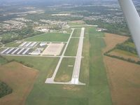 Indianapolis Metropolitan Airport (UMP) - Swinging around 33 on the way to land at 15 - by IndyPilot63