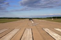 Newport News/williamsburg International Airport (PHF) - RWY 7 at Newport News/Williamsburg Int'l Airport. - by Dean Heald