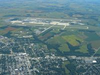 Wilmington Air Park Airport (ILN) - Looking east from 5500' - by Bob Simmermon