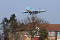 London Heathrow Airport, London, England United Kingdom (EGLL) - The view from Myrtle Avenue gives close ups of landings on Heathrow 27L - by Terry Fletcher