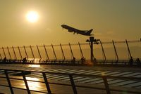 Chubu Centrair International Airport (Central Japan) - Image of evening glow - by J.Suzuki