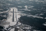 Hickory Regional Airport (HKY) - A photo of the primary runway (24).  Taken froma a SR-20 at 3100' AGL. - by Bradley Bormuth