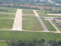 Lee's Summit Municipal Airport (LXT) - Final for 18 - by Bob Simmermon