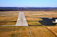 Dane County Rgnl-truax Field Airport (MSN) - Short final ~ RWY 32 - by Gary Dikkers