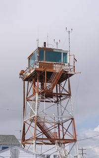 Wendover Airport (ENV) - the control tower is a WWII heritage - by olivier Cortot