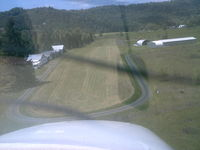 George Felt Airport (5S1) - On final rwy 28, info, monitor 122.8 Roseburg Muni, info on fld hanger says use 122.8, the published on charts and Flight Guide said 122.9. West end of 28 (10) is un-mowed and marshy..... RC Flying Club uses field regularly. - by Mel B. Echelberger