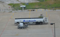 Dallas/fort Worth International Airport (DFW) - Fuel truck - by Ronald Barker