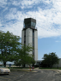 Waukegan Regional Airport (UGN) - the control tower - by olivier Cortot