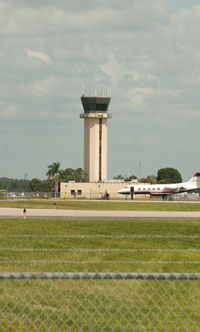 Southwest Florida International Airport (RSW) - Control Tower at RSW - by Mauricio Morro