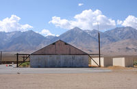 Independence Airport (2O7) - Nice view on the south eastern sierra - by olivier Cortot