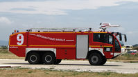 Hyères Le Palyvestre Airport - French naval aviation firetruck SIDES VMA 105 - by BTT