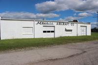 Meyers-diver's Airport (3TE) - Old Meyers Aircraft building - by Florida Metal