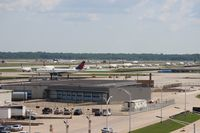 Detroit Metropolitan Wayne County Airport (DTW) - Line up of about 28 planes waiting to depart on Runway 3L - by Florida Metal