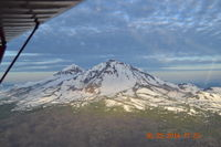 Sunriver Airport (S21) - Mt Bachelor - by mcomeaux