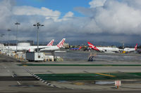 Los Angeles International Airport (LAX) - The daily layover of the Australian carriers at a remote stand - by Micha Lueck