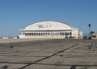 Blythe Airport (BLH) - WWII era hangar ? - by olivier Cortot