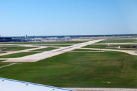 Chicago O'hare International Airport (ORD) - Landing at ORD - by Eric Olsen