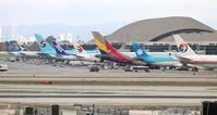 Los Angeles International Airport (LAX) - Tom Bradley Terminal - by Florida Metal
