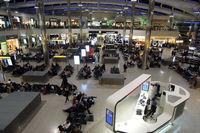London Heathrow Airport - Terminal 2 - by Micha Lueck