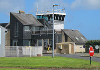 Morlaix Ploujean Airport - the control tower - by olivier Cortot