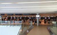 Toronto City Centre Airport - inside the terminal - by olivier Cortot