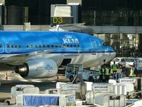 Barcelona International Airport - gate D3 with KLM from Amsterdam - by JC Ravon - FRENCHSKY