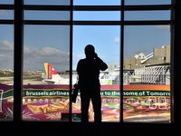 Portela Airport (Lisbon Airport), Portela, Loures (serves Lisbon) Portugal (LPPT) - spotting - by JC Ravon - FRENCHSKY