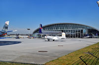 Salzburg Airport - Ramp - hangar Red Bull - by Artur Badoń