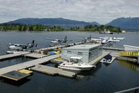 Vancouver Harbour Water Airport (Vancouver Coal Harbour Seaplane Base) - Sunday activity - by Manuel Vieira Ribeiro