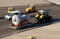 Vienna International Airport - spare engine  - by Thomas Ramgraber