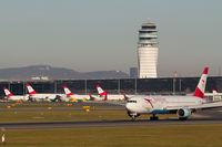 Vienna International Airport - LOWW - 20181031 - by Michael - Spotterteam Graz